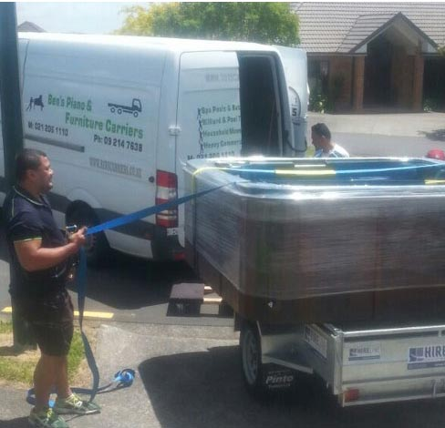 Moving huge and haevy spa pool in Auckland