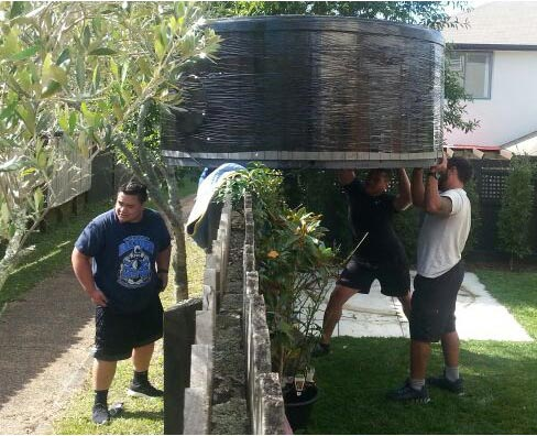 A round spa pool moving in AUckland