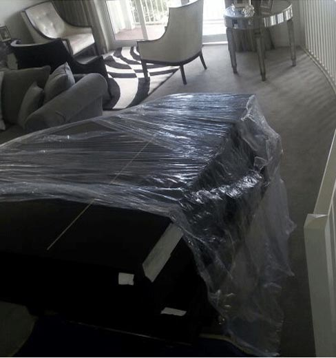 Safely moving pianos in auckland
