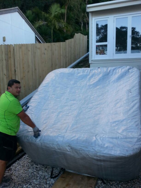 moving a spa pool in auckland by Bens Spa pool Movers